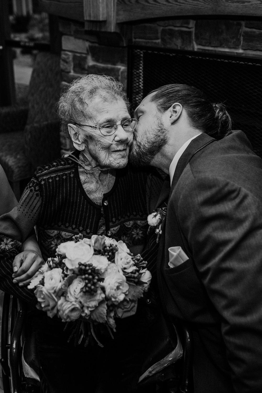 Kaylie_Sirek_Photography_Grand_Island_Kearney_Hastings_Lincoln_Nebraska_Wedding_Engagement_Grandma_Grandparent_Delray_Downtown_DowntownLincoln_LNK_Emotional_Bride_Groom_Photographer_43.jpg