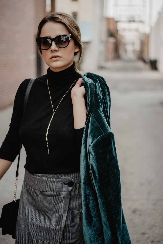 Kaylie-Sirek-Photography-Lifestyle-Photographer-Lincoln-Kearney-Hastings-GrandIsland-Grand-Island-city-urban-downtown-lifestyle-blog-blogger-fashion-style-fall-autumn-plaid-grunge-90s-retro-Nebraska-33.jpg