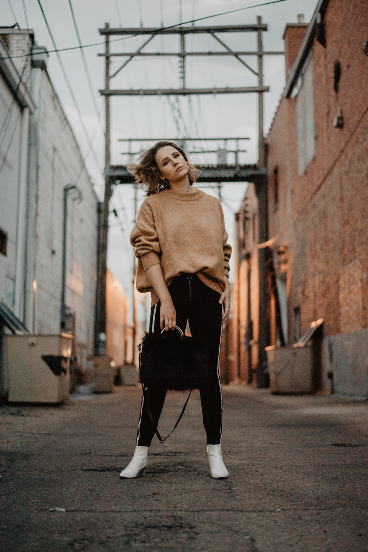 Kaylie-Sirek-Photography-Lifestyle-Photographer-Lincoln-Kearney-Hastings-GrandIsland-Grand-Island-city-urban-downtown-lifestyle-blog-blogger-fashion-style-fall-autumn-plaid-grunge-90s-retro-Nebraska-40.jpg