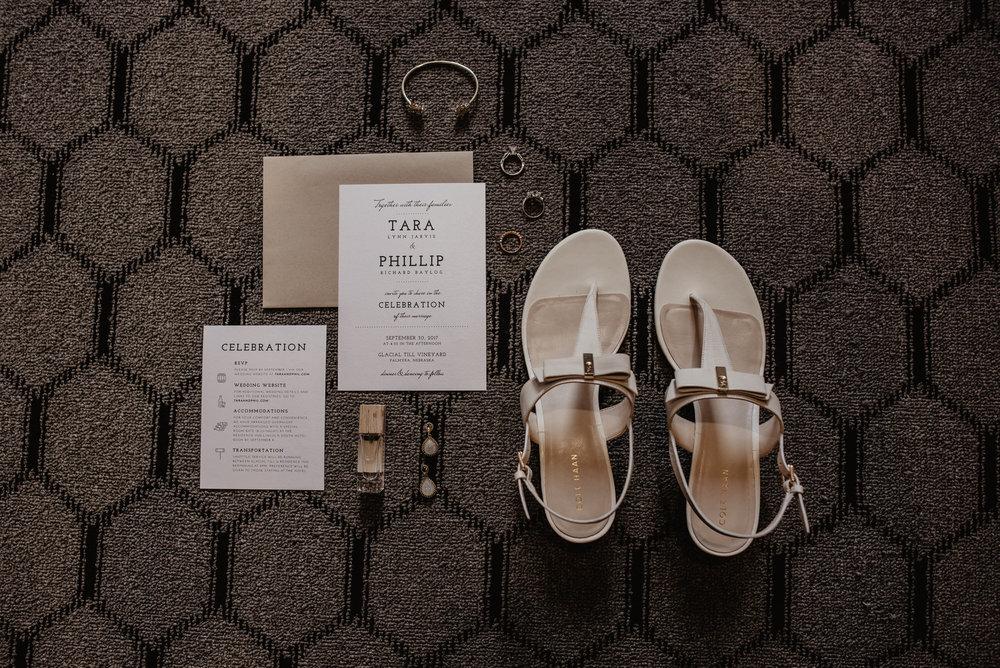 Kaylie Sirek Photography – Nebraska Wedding and Engagement Photographer – Glacial Till Vinyard – 003.jpg