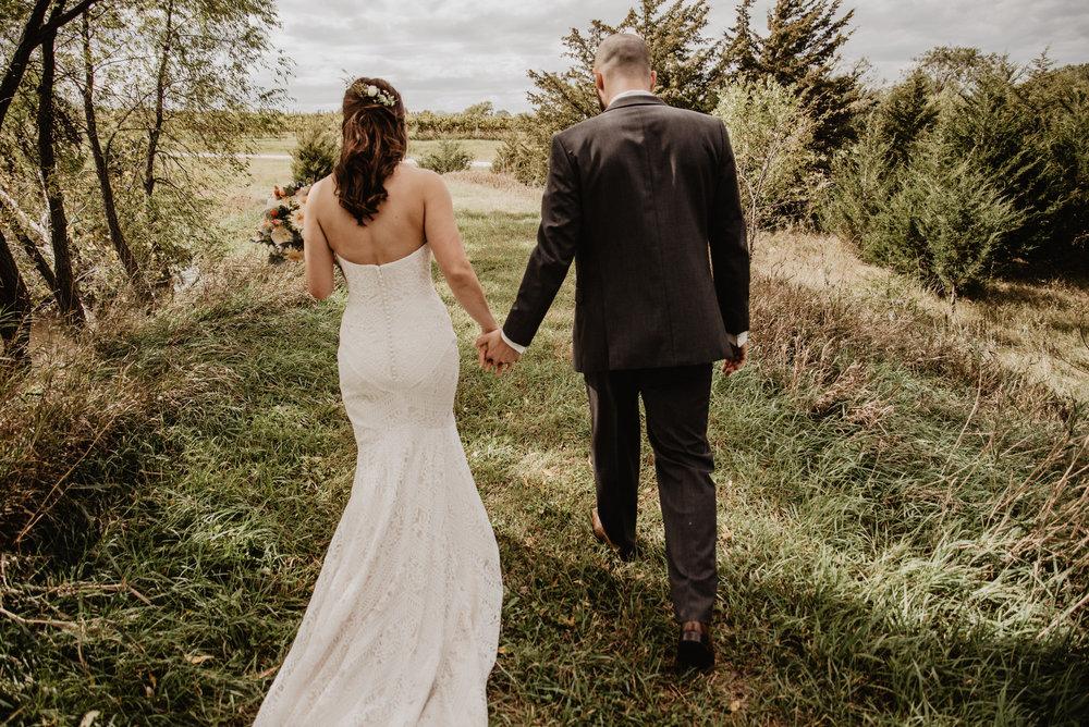 Kaylie Sirek Photography – Nebraska Wedding and Engagement Photographer – Glacial Till Vinyard – 036.jpg