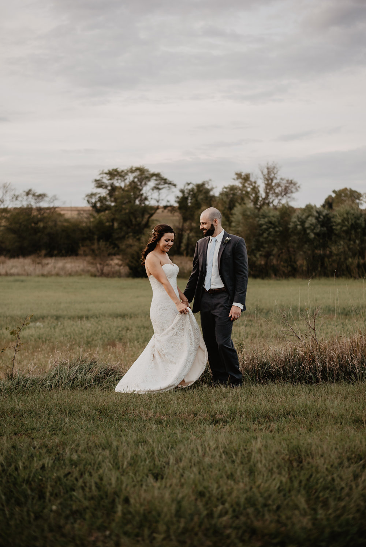 Kaylie Sirek Photography – Nebraska Wedding and Engagement Photographer – Glacial Till Vinyard – 090.jpg