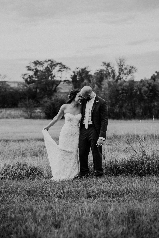 Kaylie Sirek Photography – Nebraska Wedding and Engagement Photographer – Glacial Till Vinyard – 091.jpg