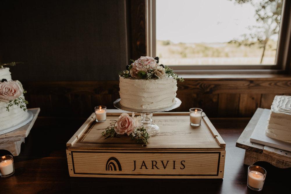 Kaylie Sirek Photography – Nebraska Wedding and Engagement Photographer – Glacial Till Vinyard – 117.jpg