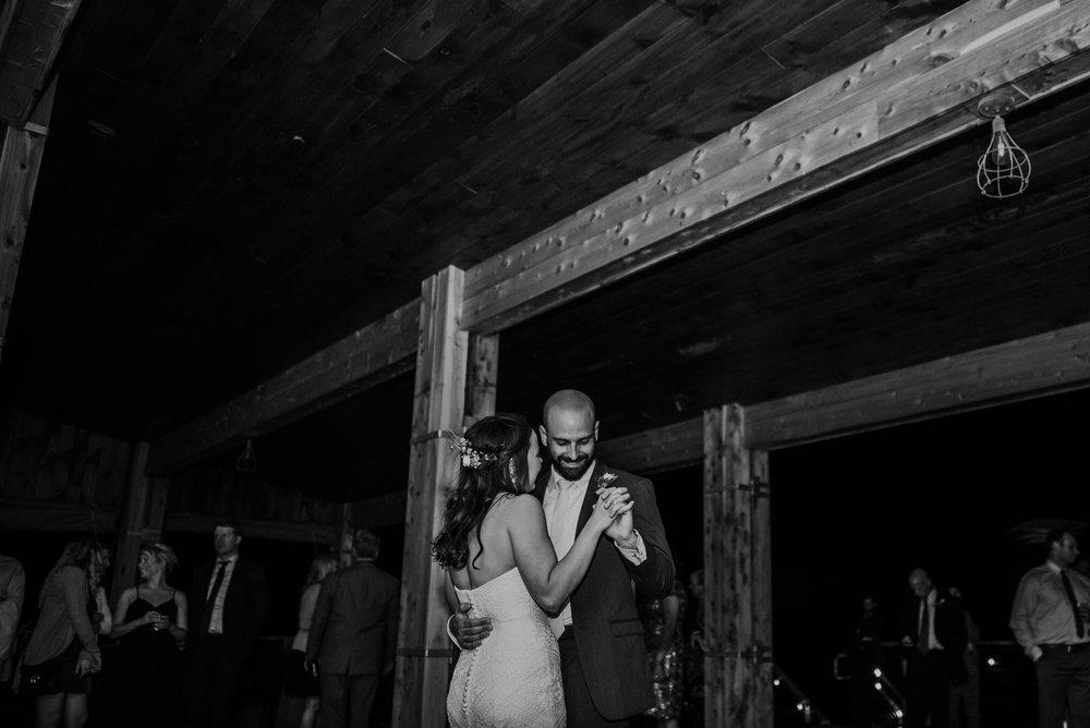 Kaylie Sirek Photography – Nebraska Wedding and Engagement Photographer – Glacial Till Vinyard – 133.jpg