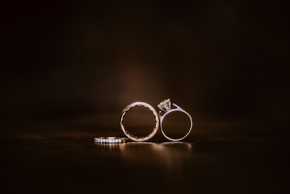 Kaylie-Sirek-Photography-Kearney-Wood-River-Nebraska-Babels-Barn-Wedding-001.jpg