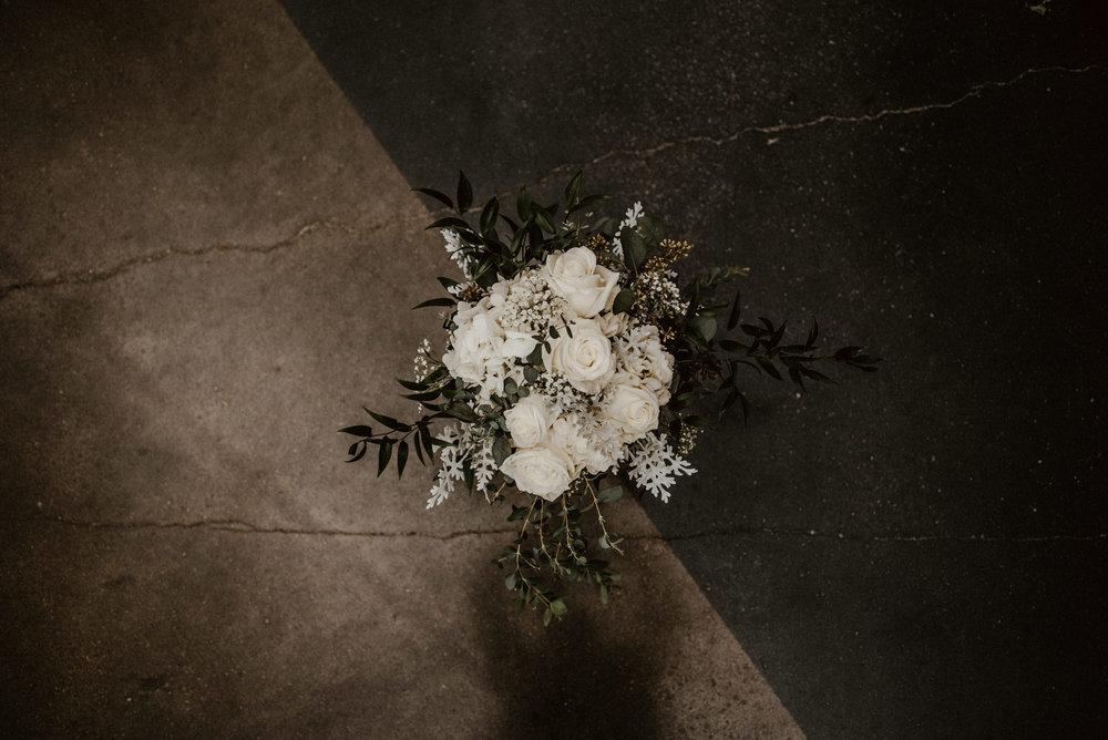 Kaylie-Sirek-Photography-Kearney-Wood-River-Nebraska-Babels-Barn-Wedding-011.jpg