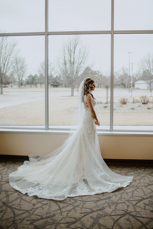 Kaylie-Sirek-Photography-Kearney-Wood-River-Nebraska-Babels-Barn-Wedding-018.jpg