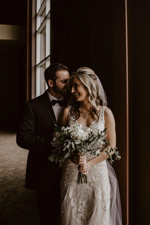Kaylie-Sirek-Photography-Kearney-Wood-River-Nebraska-Babels-Barn-Wedding-028.jpg