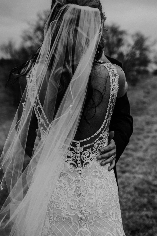 Kaylie-Sirek-Photography-Kearney-Wood-River-Nebraska-Babels-Barn-Wedding-035.jpg