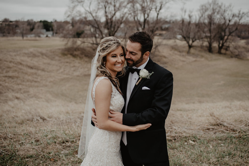 Kaylie-Sirek-Photography-Kearney-Wood-River-Nebraska-Babels-Barn-Wedding-037.jpg