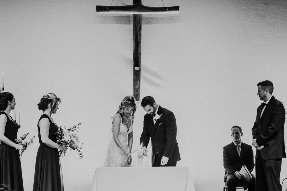 Kaylie-Sirek-Photography-Kearney-Wood-River-Nebraska-Babels-Barn-Wedding-042.jpg