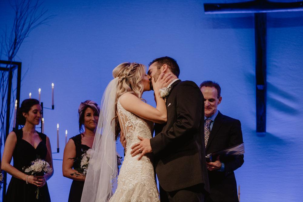 Kaylie-Sirek-Photography-Kearney-Wood-River-Nebraska-Babels-Barn-Wedding-043.jpg