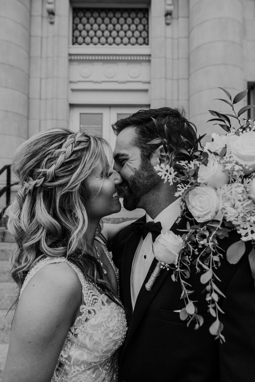 Kaylie-Sirek-Photography-Kearney-Wood-River-Nebraska-Babels-Barn-Wedding-055.jpg