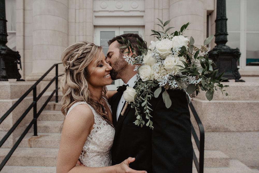 Kaylie-Sirek-Photography-Kearney-Wood-River-Nebraska-Babels-Barn-Wedding-056.jpg