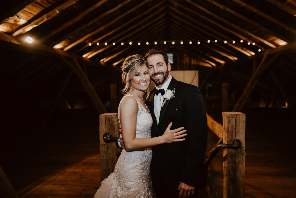 Kaylie-Sirek-Photography-Kearney-Wood-River-Nebraska-Babels-Barn-Wedding-065.jpg