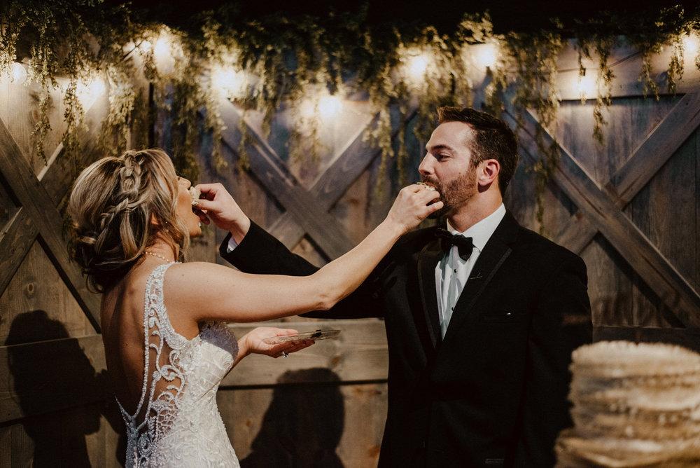 Kaylie-Sirek-Photography-Kearney-Wood-River-Nebraska-Babels-Barn-Wedding-068.jpg
