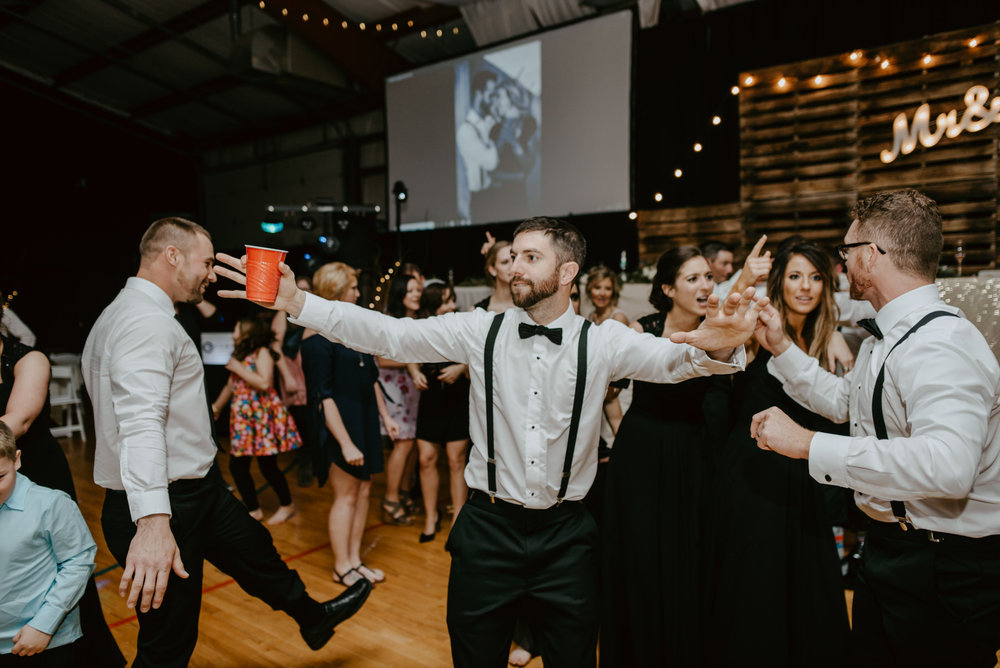 Kaylie-Sirek-Photography-Kearney-Wood-River-Nebraska-Babels-Barn-Wedding-085.jpg