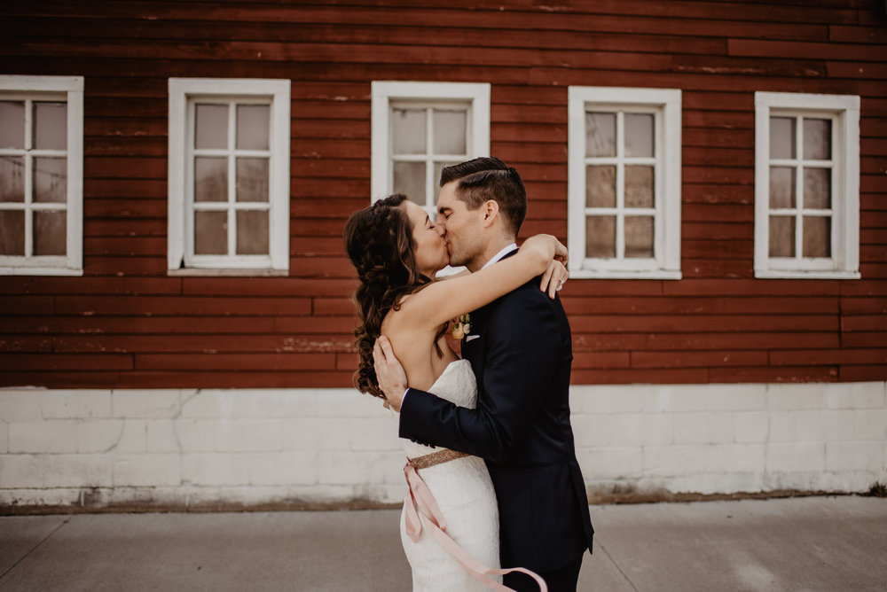 The Barn at the Ackerhurst Dairy Farm Omaha Nebraska Wedding Kaylie Sirek Photography030.jpg