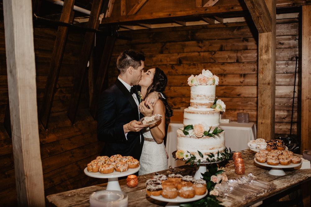 The Barn at the Ackerhurst Dairy Farm Omaha Nebraska Wedding Kaylie Sirek Photography116.jpg