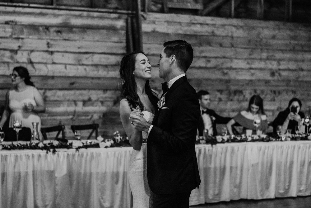 The Barn at the Ackerhurst Dairy Farm Omaha Nebraska Wedding Kaylie Sirek Photography119.jpg