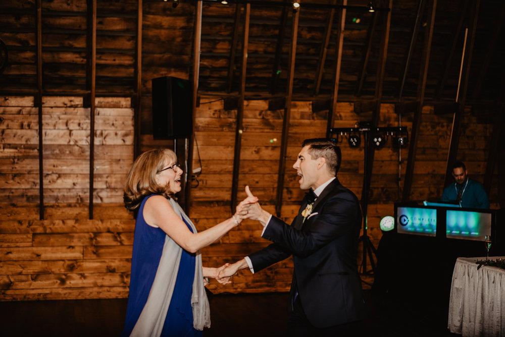 The Barn at the Ackerhurst Dairy Farm Omaha Nebraska Wedding Kaylie Sirek Photography127.jpg