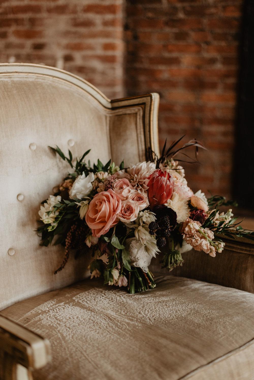 Stillwater-Minnesota-Wedding-Loft-at-Studio-J-Kaylie-Sirek-Photography-09.jpg