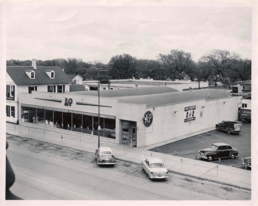 A & P Grocery store at 11th & Massachusetts