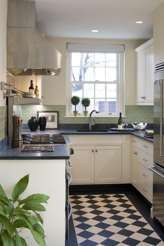 Dean's Kitchen 005.jpg