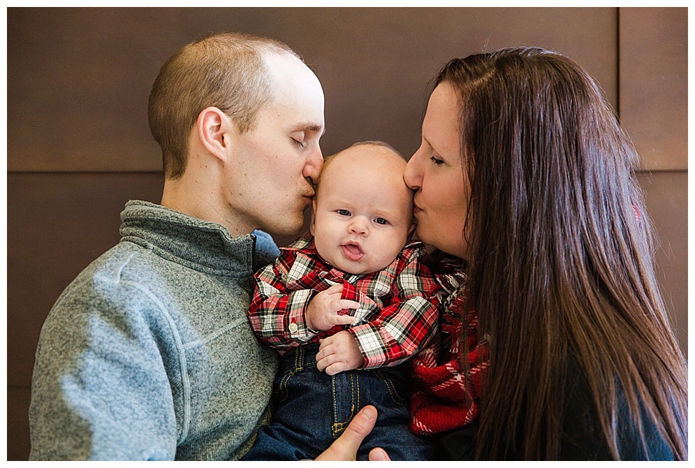 The Mikkelson Family joined me for a quick family session this winter, adorable baby and all!