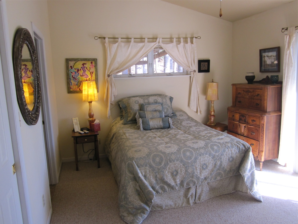 2ndmasterbedroom.jpg