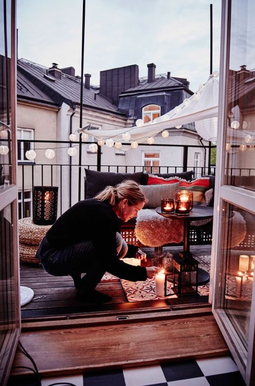 outdoor-candle-woman.jpg