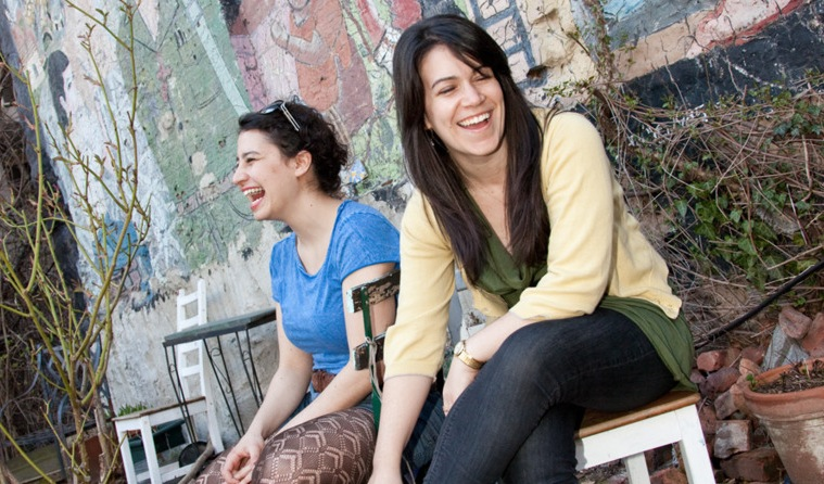 Ilana Glazer (l) and Abbi Jacobson (r) of Broad City.
