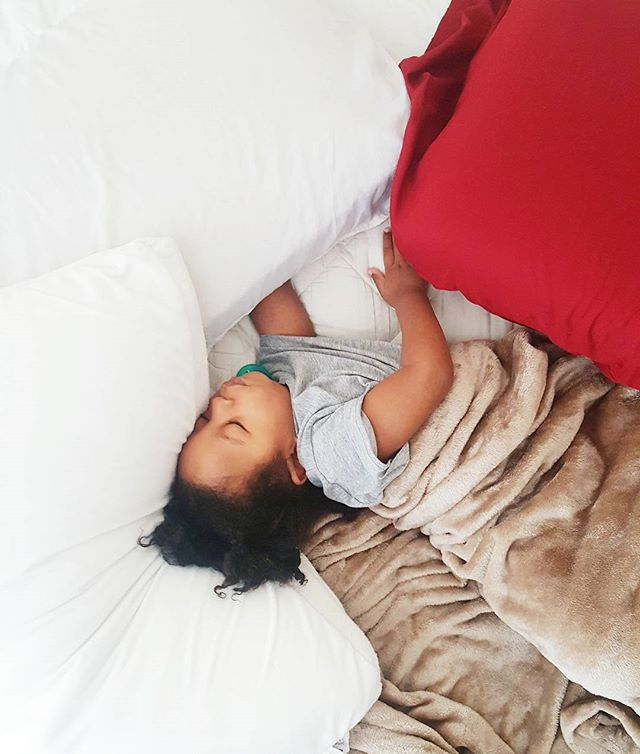 Saturday Morning... the usual. I get kicked out of my bed, literally, by my 2 year old. Why do kids sleep so badly?! Well, since I'm up and he's sleeping so peacefully, I guess I'll clean up. Have a great Saturday!!! What are your plans today? 🙄☕🍳 . . . . .  #vsco #vscogram #igtexas #momblogger  #dallasblogger #momlife #theblogissue #instablogger  #lifestylebloggers #dallas #texas #toddler #toddlerboy #teammotherly