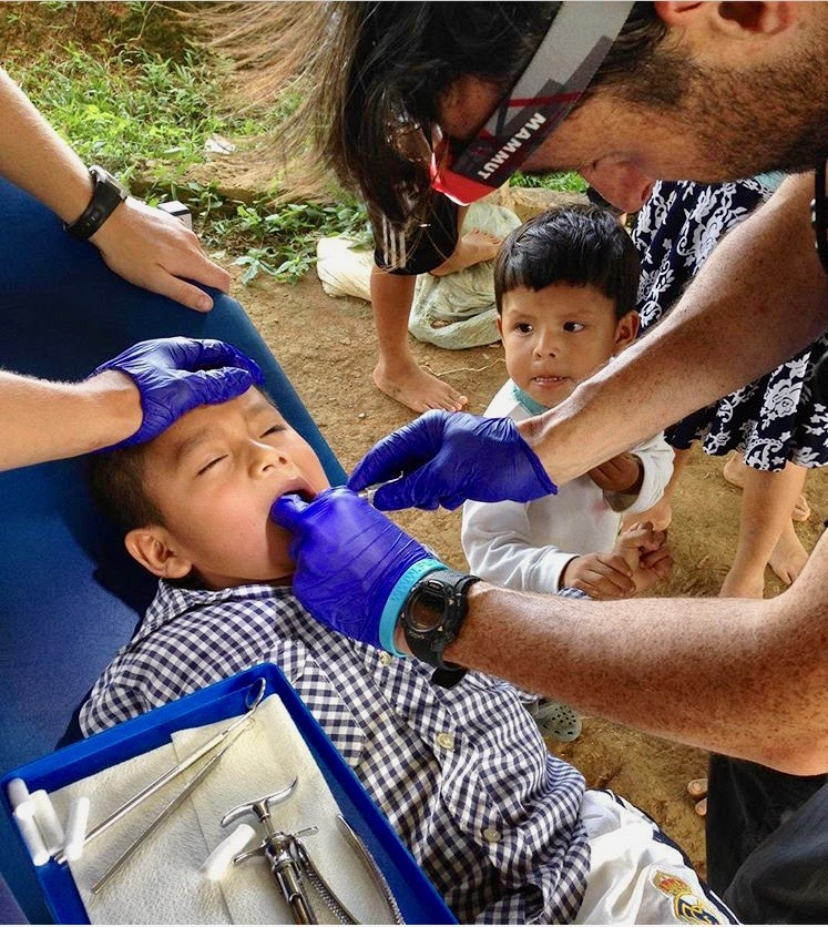 Floating Doctors provides dental care when a dentist is present. Gloves Go Global is happy to support healthy teeth by providing gloves.
