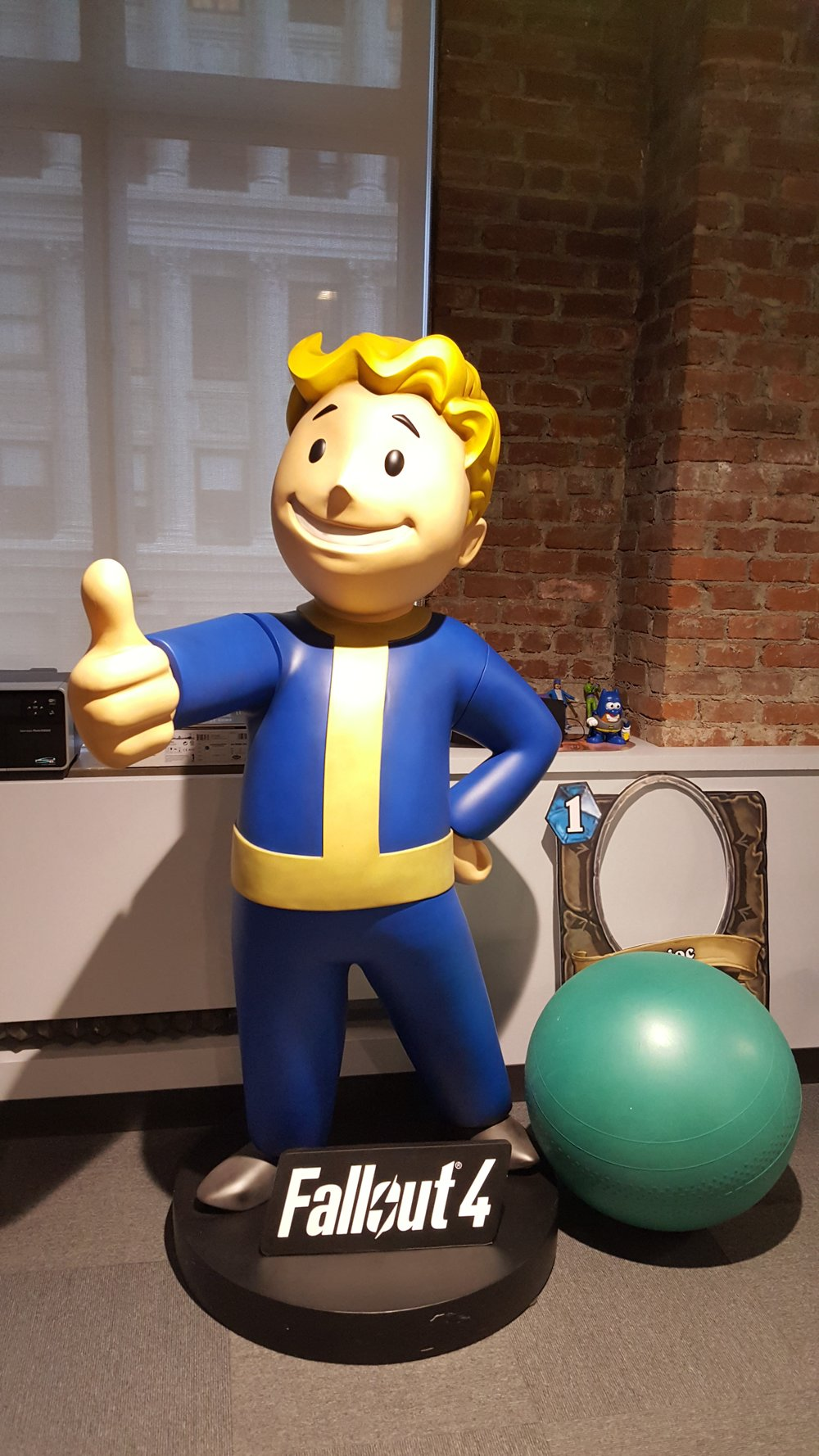 Check out this Fallout 4 life size statue vault boy!  👍