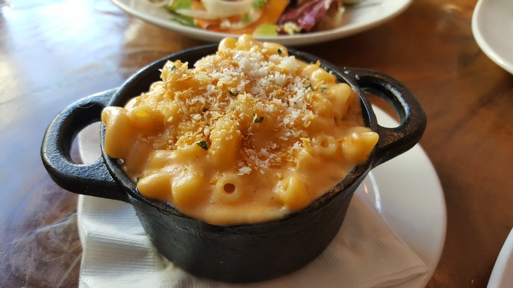Macaroni & Cheese (Bacon, Pancetta or Truffle Oil)