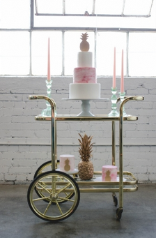 1137    Desserte doré / Gold Bar Cart    1
