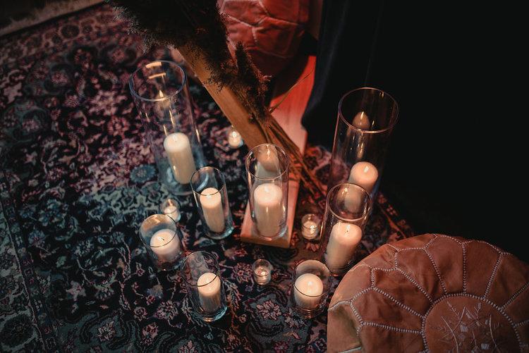 1129    Vases assortis en cylindre / Assorted Cylinder Vases    25