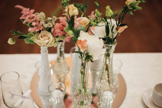 1097    Vases assortis / Assorted Vases    50