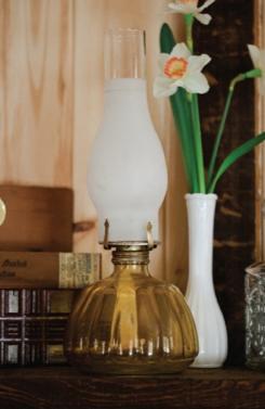 1002    Lampe à l'huile / Oil Lamps    3