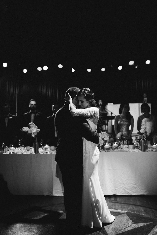 vanessa-jonathan-montreal-wedding-downtown-12.jpg