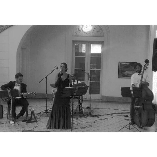 Hoy Vintage en evento privado  #lindatarde #músicaparaeventos #tédemujeres #vintageboulevard