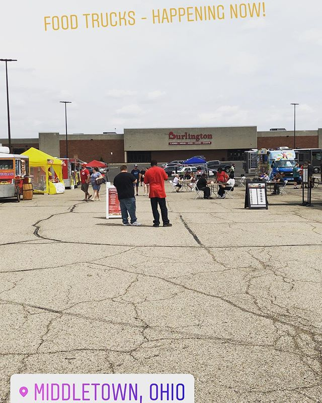 Check out the food trucks in the towne mall parking lot! . . . . . . #middletownyp #thisismiddletown #wearemiddletown #middiemagic #middletownyoungprofessionals #youngpros #youngprofessionals #visitmiddletown downtownmiddletown #middletownohio #ohiogram #ohioexplored #butlercounty #ohio #513 #livelovemiddletown