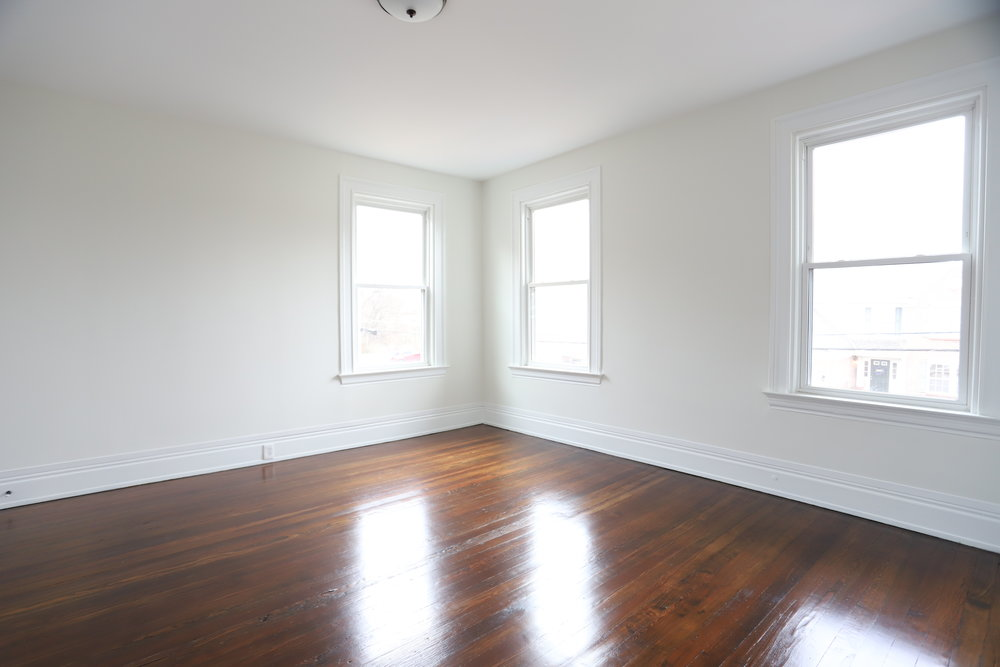 Frontbedroom.jpg