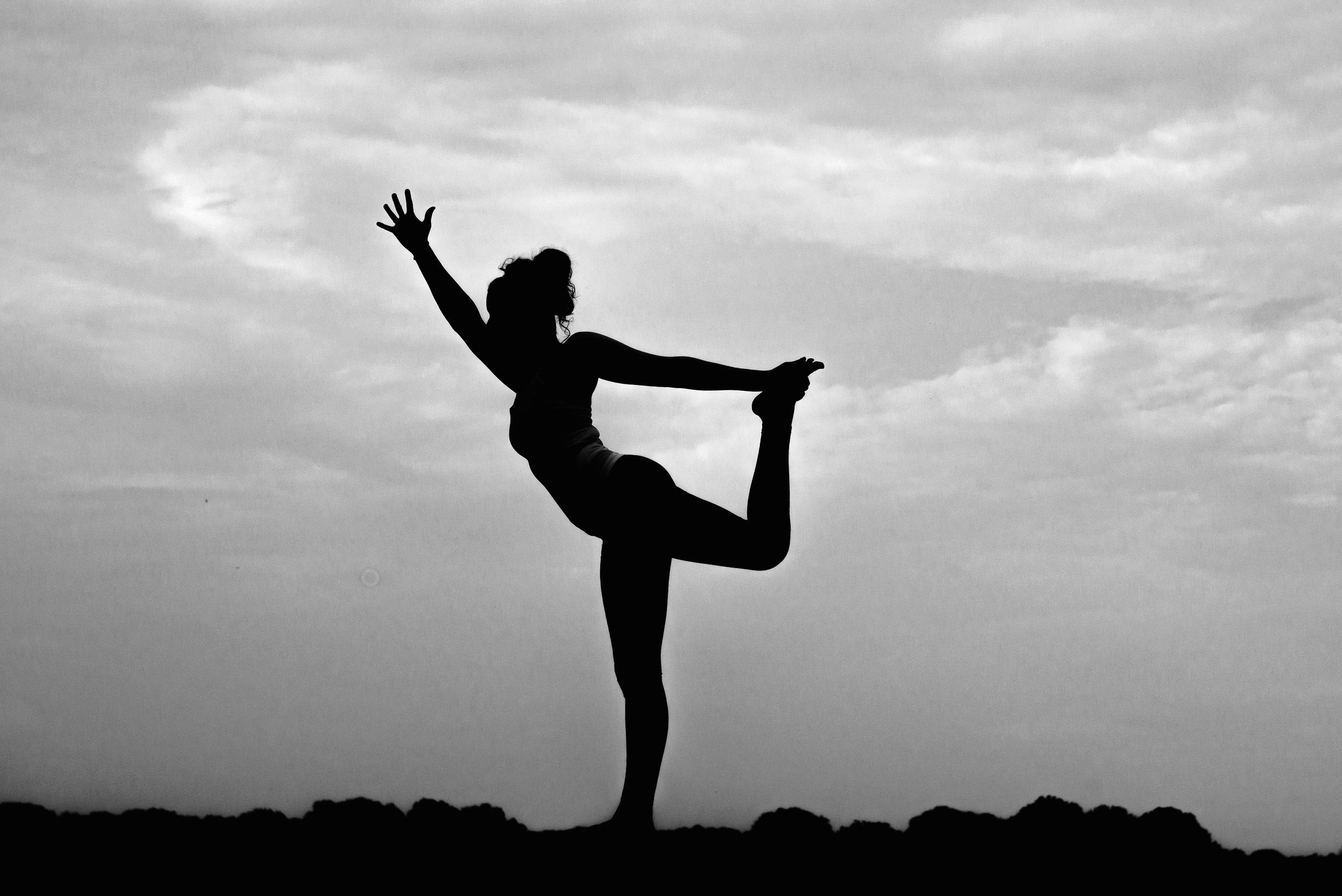 Cailen-Yoga-bw  35