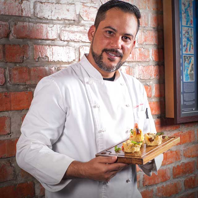 CHEF EVELIO MARTINEZ.jpg