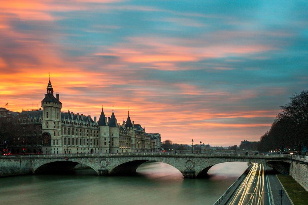 FREE DAY IN PARIS VOYEDGE RX