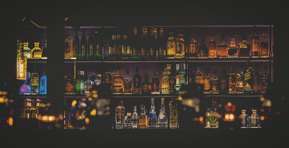 Avoid alcohol before long flights