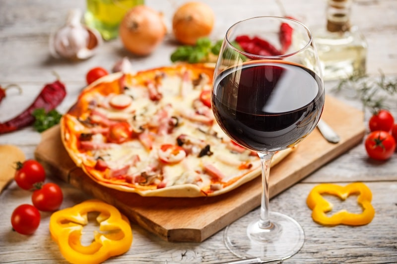 Wine-and-Pizza.jpg